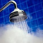 برای دوش گرفتن آب ولرم مناسب تر از آب گرم است