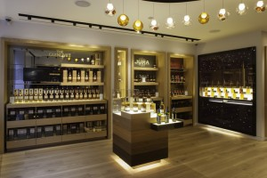 the-whisky-shop-flagship-store-by-gpstudio-london-02
